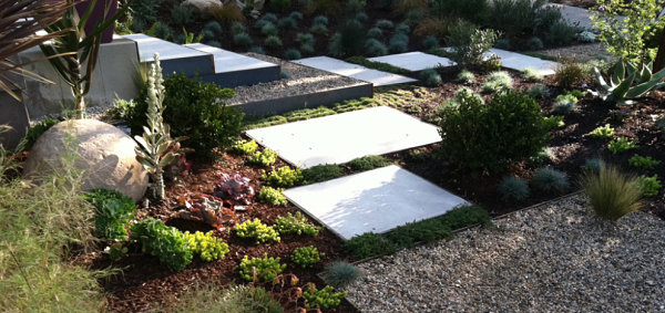Xeriscaping with mulch and gravel