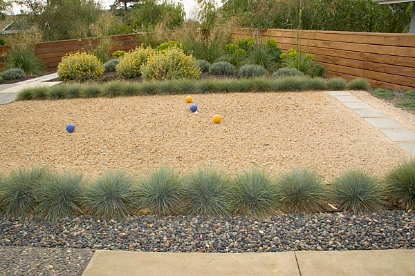 Xeriscaping works with Mid-century homes