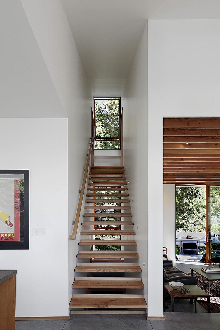narrow staircase desgn idea saves up on space