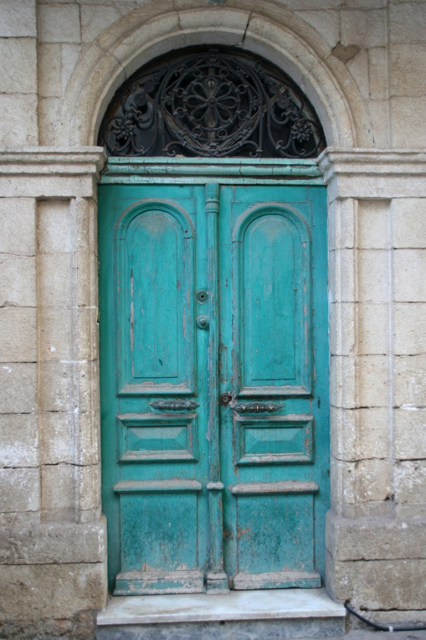 Make a dramatic first impression 15 painted front doors - Painted front door images ...