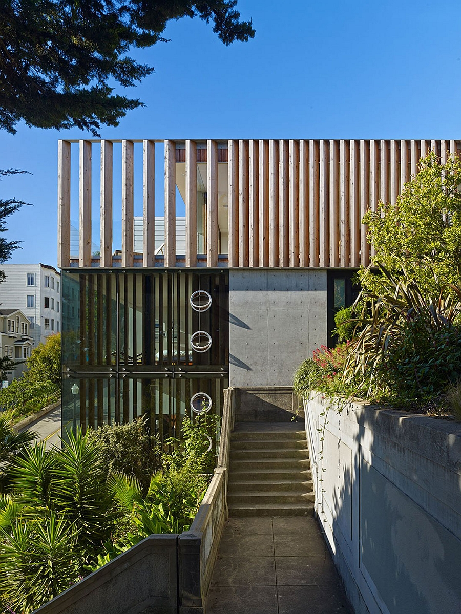 90 solid wood louvers offer ample privacy