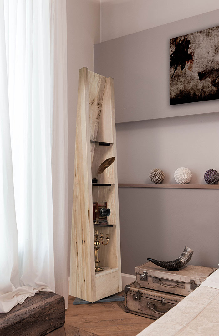 Amazing Specchio wooden shelf in the bedroom