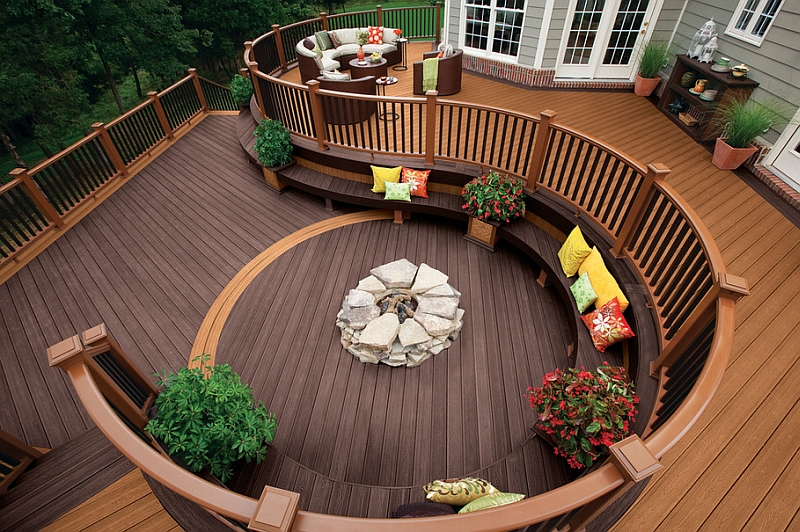 Amazing deck takes the sunken lounge design to a whole new level!