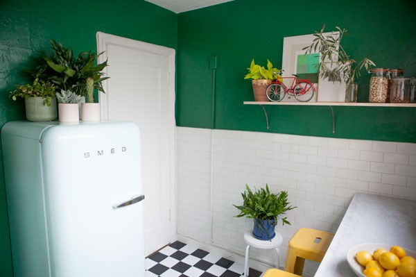 View In Gallery Ample Plants In A Studio Kitchen 20 Unforgettable Indoor  Plant Displays