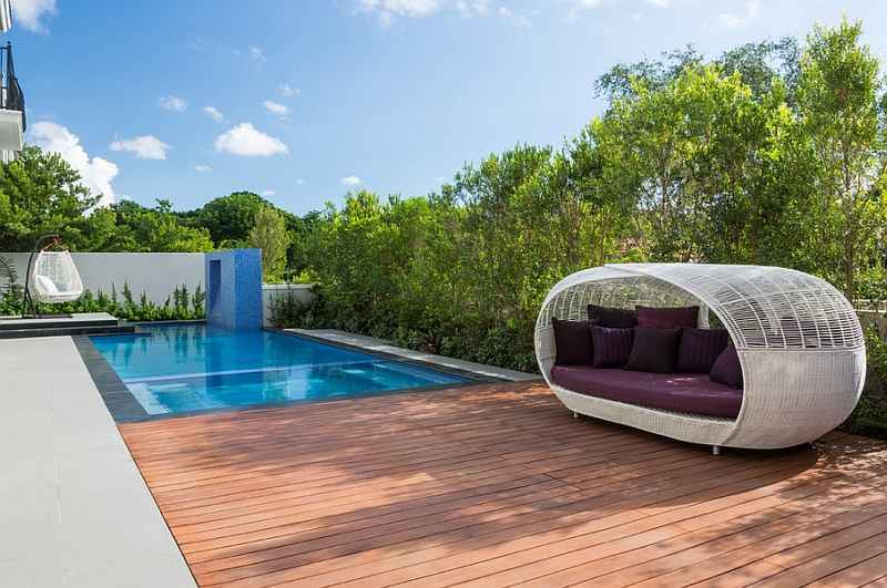 interesting outdoor beds with canopy. View in gallery An outdoor canopy bed that can be moved around with ease 40 Outdoor Beds For Amazing Summer