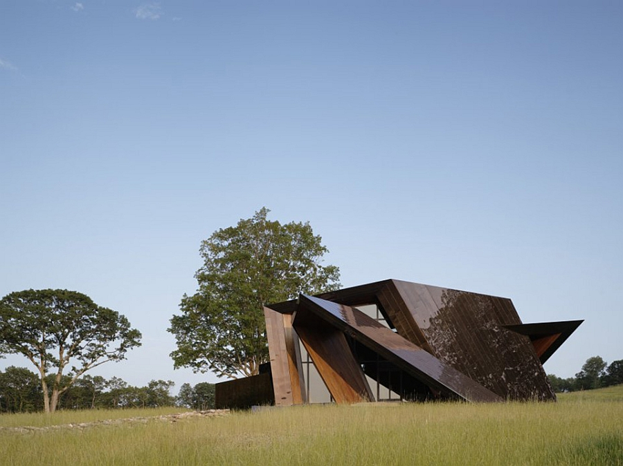 Angular extreior of the Daniel Libeskind 18.36.54 House