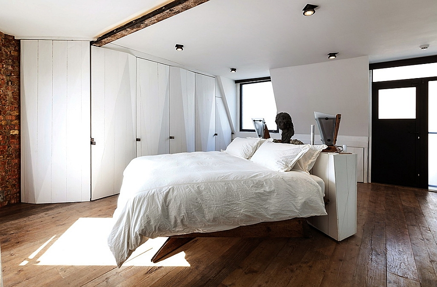 Beautiful Soho bedroom that combines the modern and the traditional