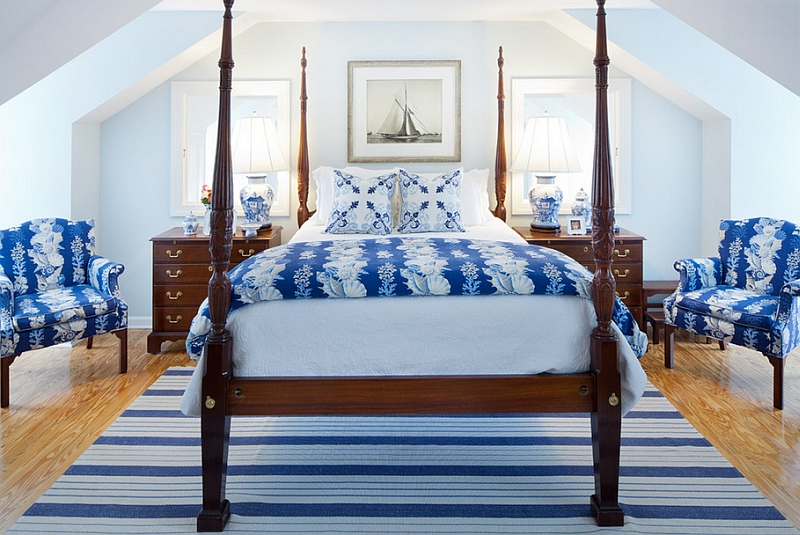 Blue and white color scheme is perfect for the small bedroom