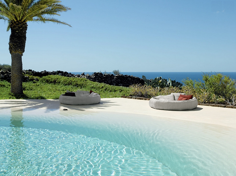 Casual take on the outdoor bed next to the pool