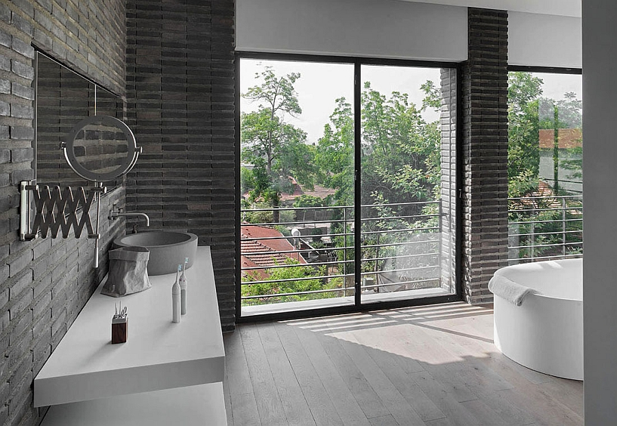 Contemporary bathroom in white and grey