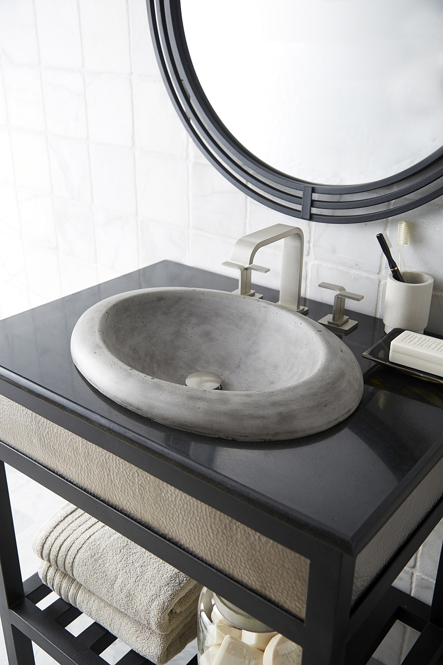 Cuyama Traditional Oval Bathroom Sink in Ash