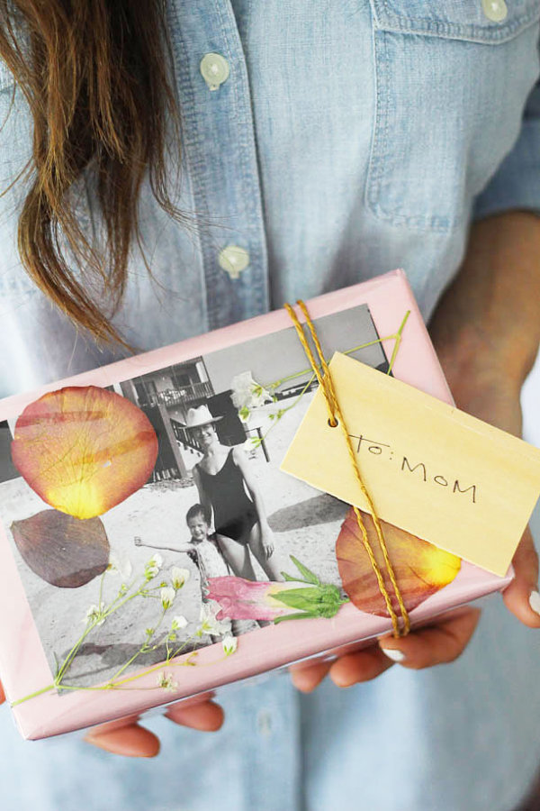 DIY pressed flower gift wrap