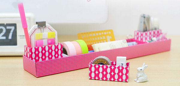Desk organizer tray from MochiThings