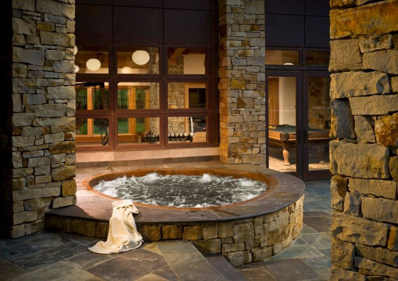Elegant and simple way to bring home the hot tub