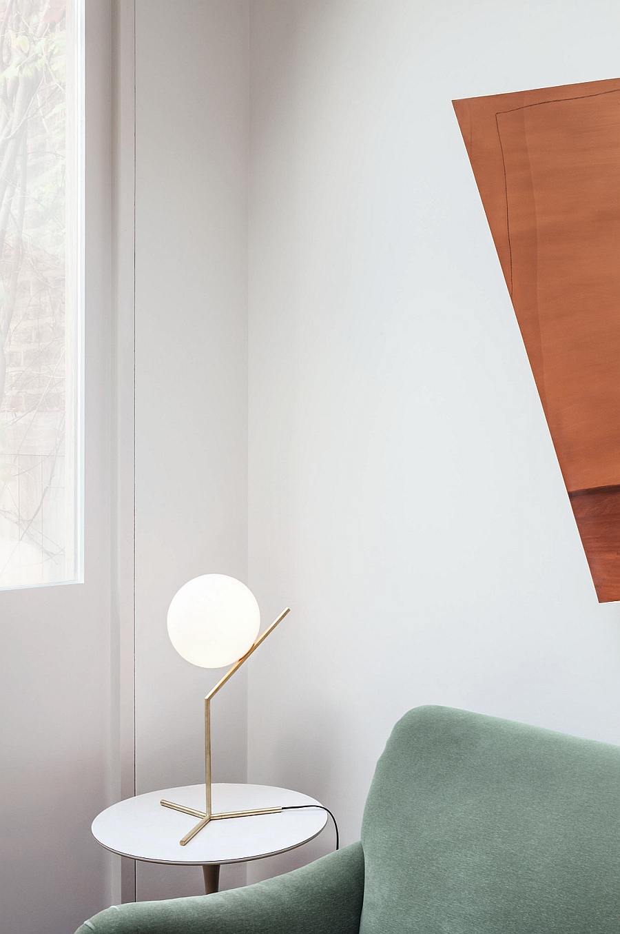 Ergonomic and aesthetic table lamp from FLOS