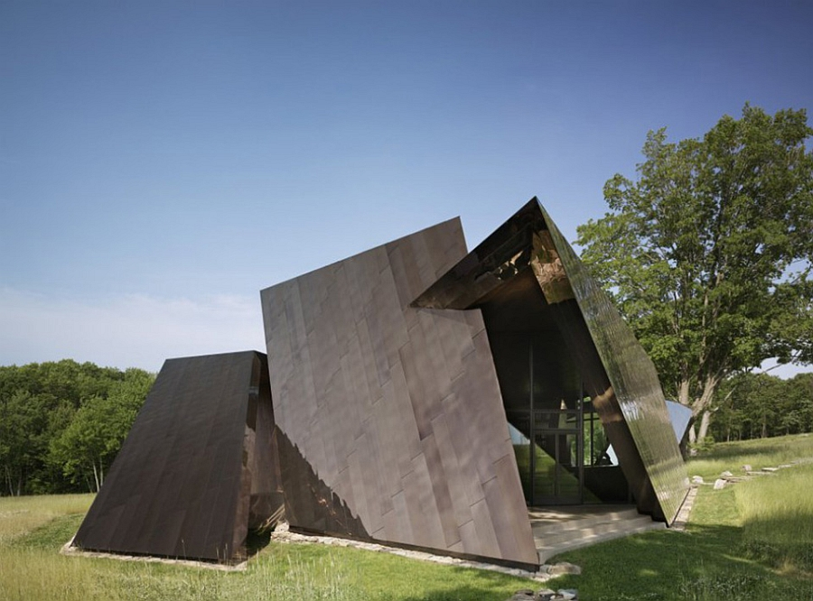 Exterior of the Daniel Libeskind 18.36.54 House