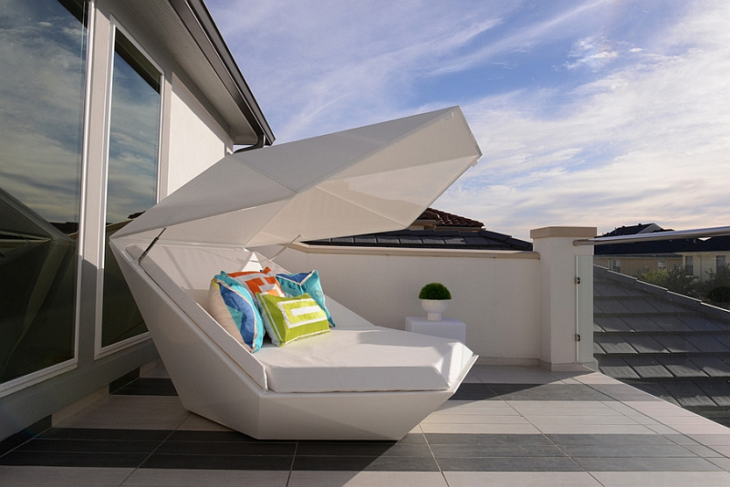 40 outdoor beds for an amazing summer. Black Bedroom Furniture Sets. Home Design Ideas
