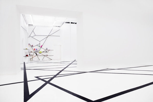 Geometric design at the OHWOW Gallery in Miami The Interior Design Of Rafael de Cárdenas