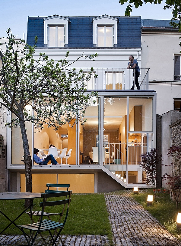 Glass extension to the classic French House
