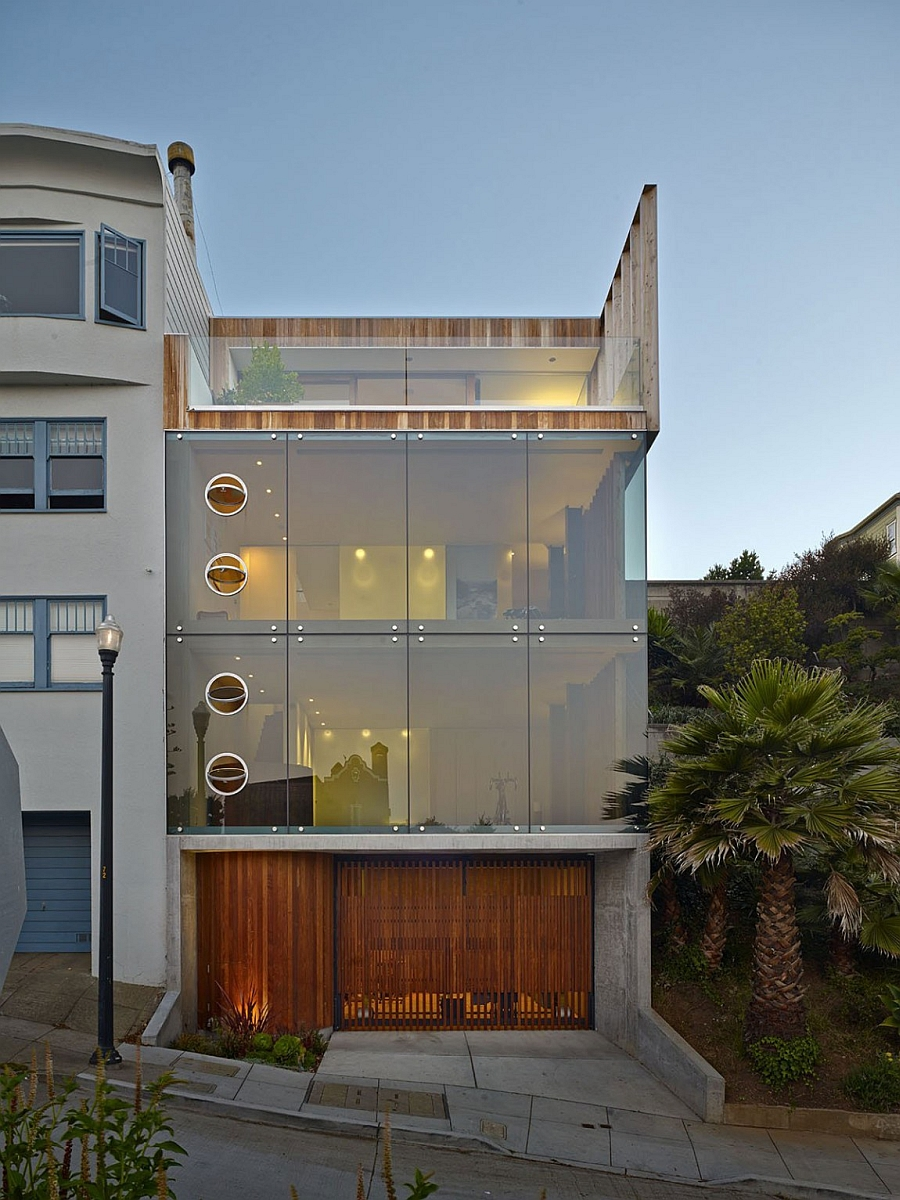 Gorgeous glass home in San Francisco with a concrete base