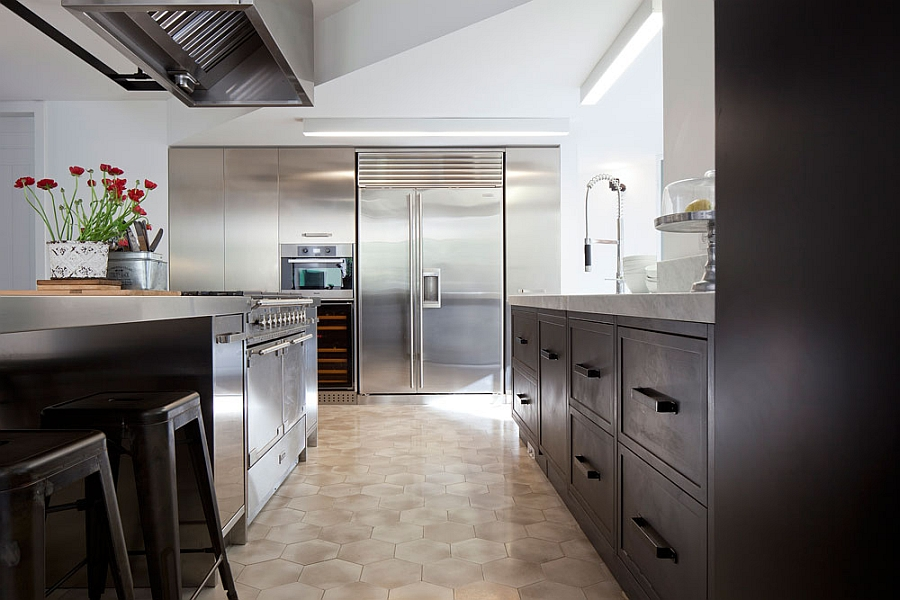 Gorgeous kitchen in stainless steel