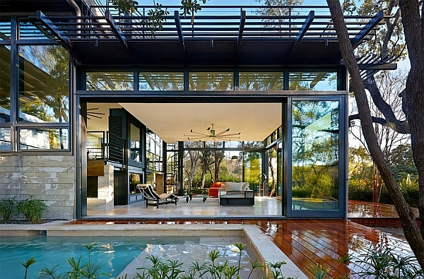 Ingenious Green Lantern Residence Charms With Trendy Green Goodness!