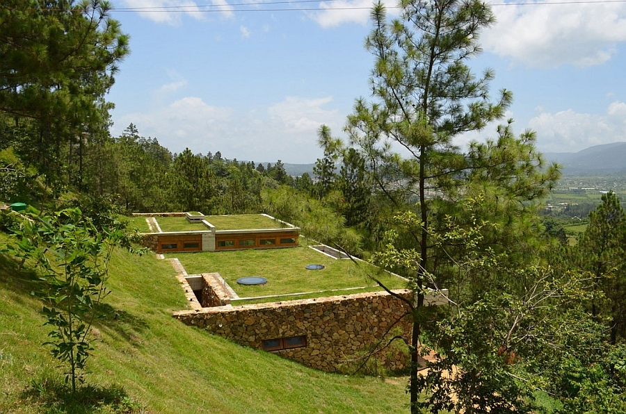Green roof of the sceluded residence in Dominican Republic