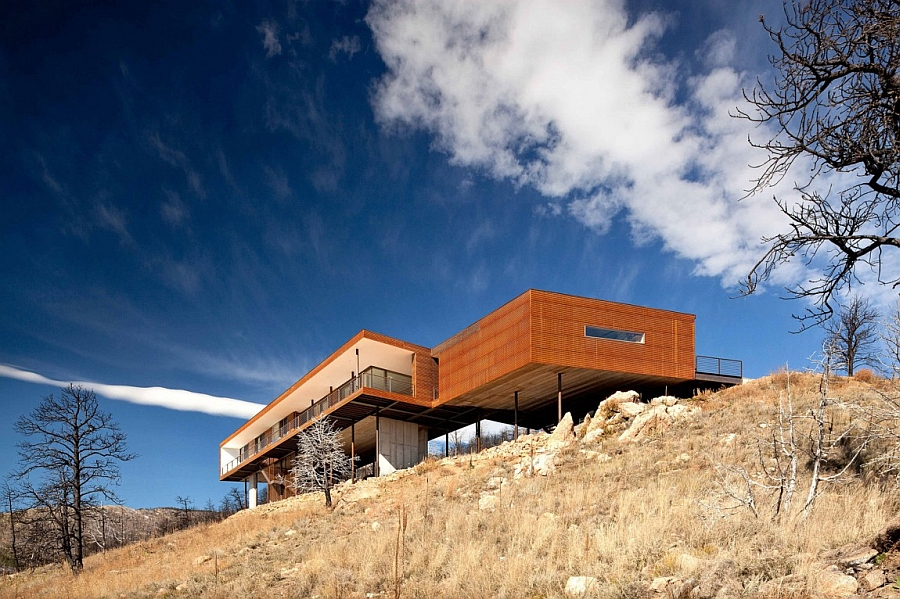 Inimitable silhouette of the Fourmile Sky House Majestic Mountain Views And Untamed Elements Shape The Fourmile Sky House