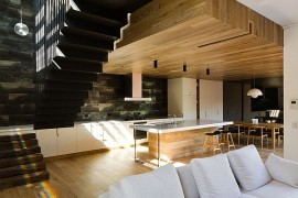Inviting Open House Down Under Surrounds You With A World Of Wood!