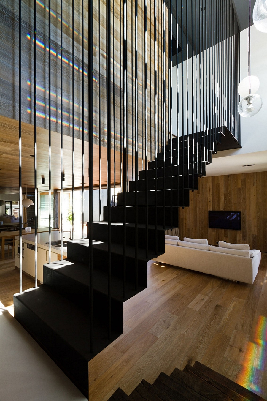 Inventive staircase design that is visually airy