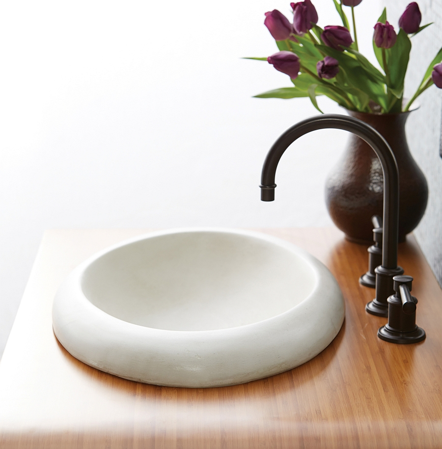Eco conscious artisan crafted sinks sparkle with for Lavabo petit espace