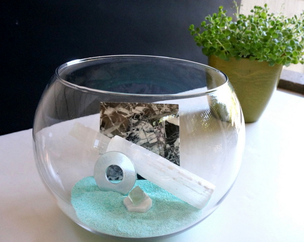 Make your own DIY mineral scape with marble, sand and more