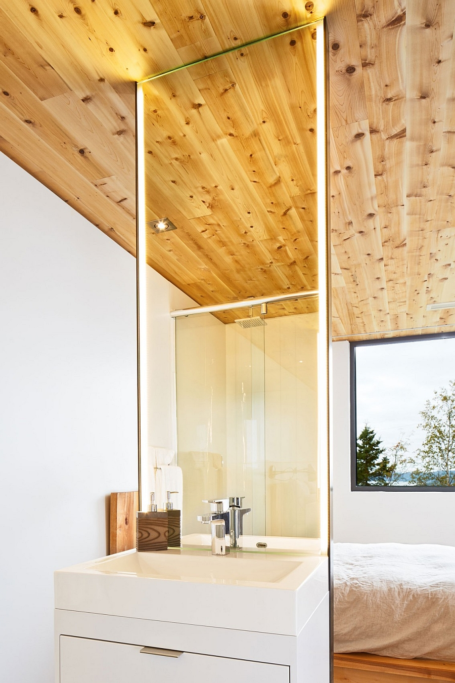 Modern bathroom with wooden panel ceiling