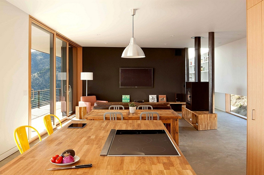 Simple and effective open floor plan for the living area
