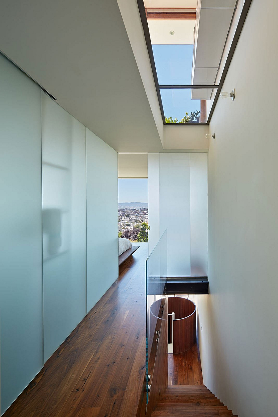 View in gallery Sky lights usher in natural ventilation into the bedroom  with San Francisco Skyline views. Innovative San Francisco Residence Offers Amazing City Views And