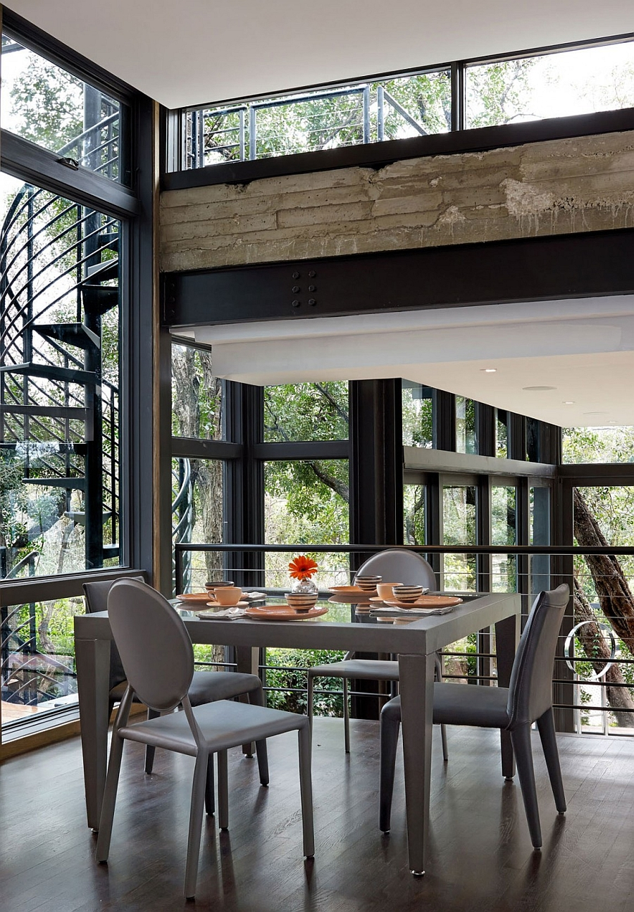 Smart little dining area for a quick breakfast