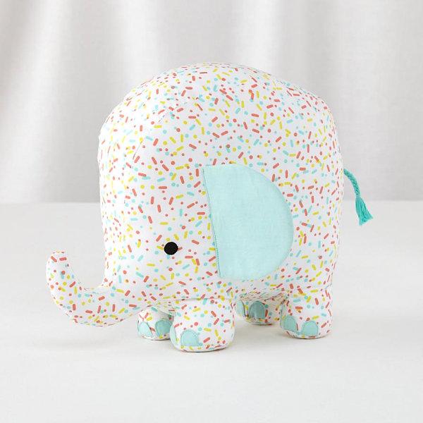 Sprinkle-patterned pachyderm