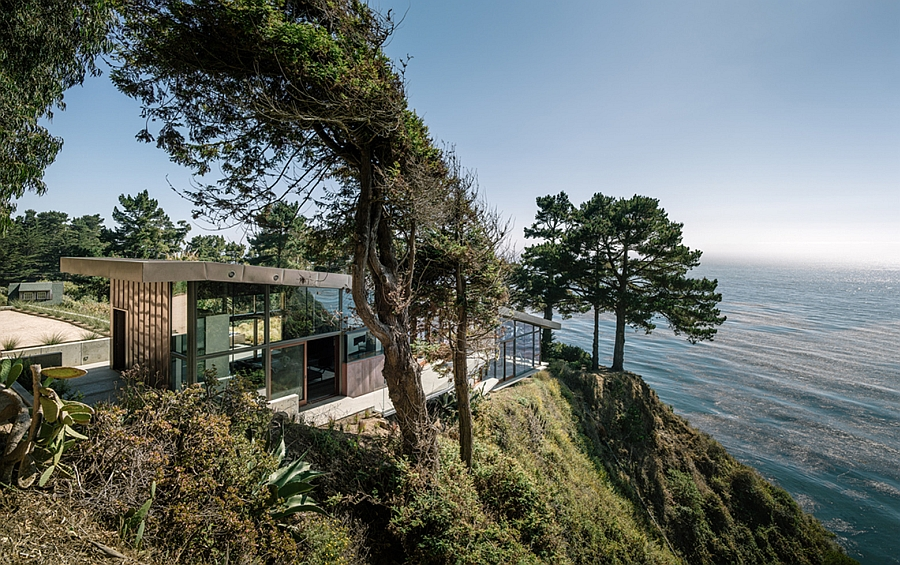 Stunning California home with Pacific Ocean views on top of a cliff