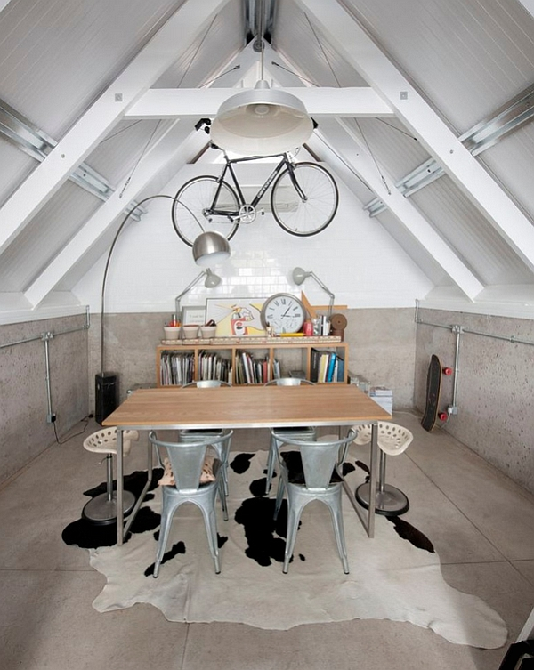 Wall-mounted bike in the gorgeous home workspace