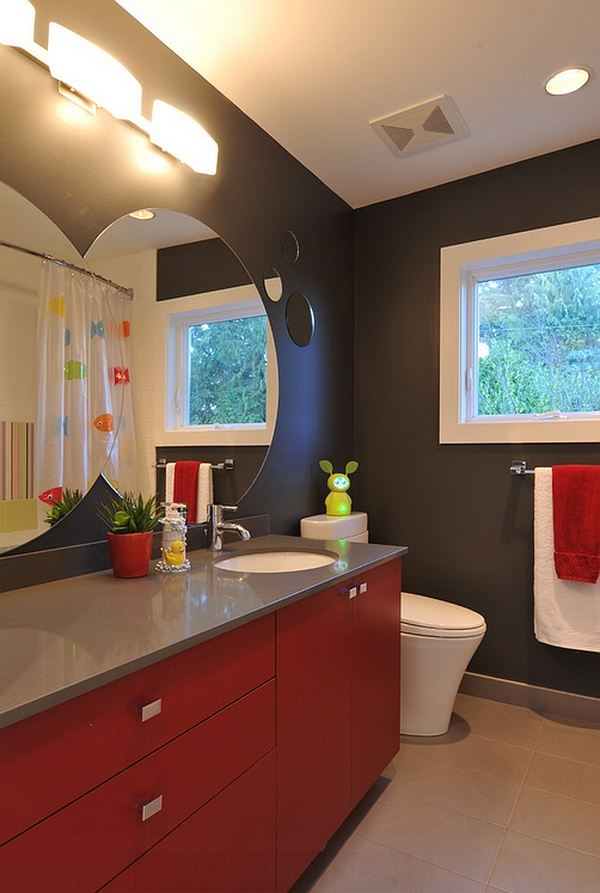 A black backdrop lends sophistication to the bathroom