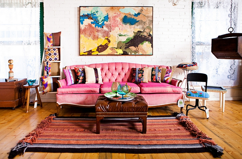 A smart compromise between the eclectic and the Bohemian styles in the living room