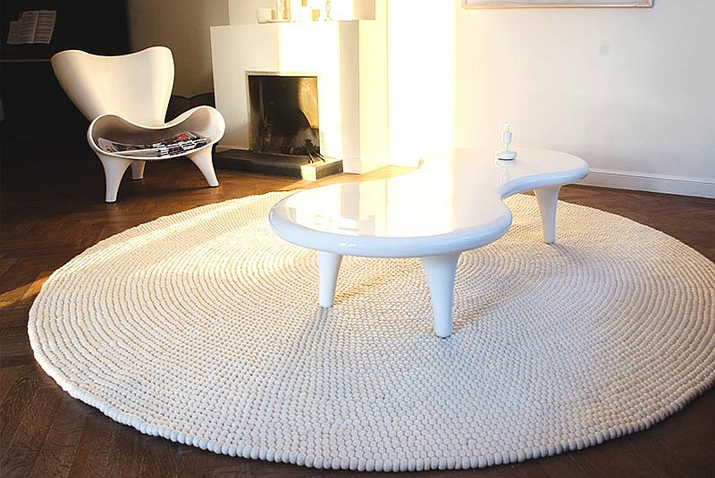 All-white felt ball rugs for the trendy, modern interior