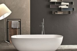 Betty Freestanding Bathtub in White