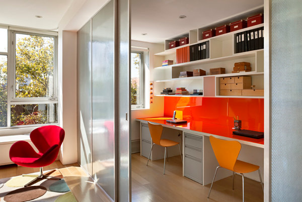 Colorful home office minimizes clutter