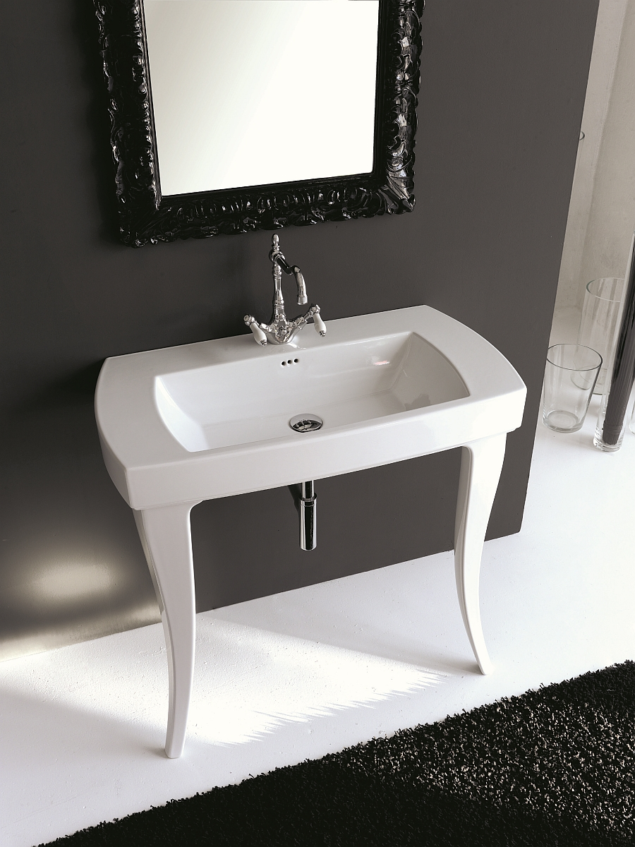 Curved legs of the washbasin evoke a classical appeal