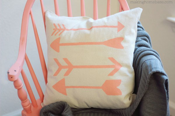 DIY arrow pillow