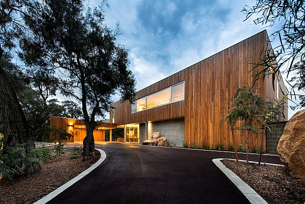 Eagle Bay Residence in Australia by Paul Jones