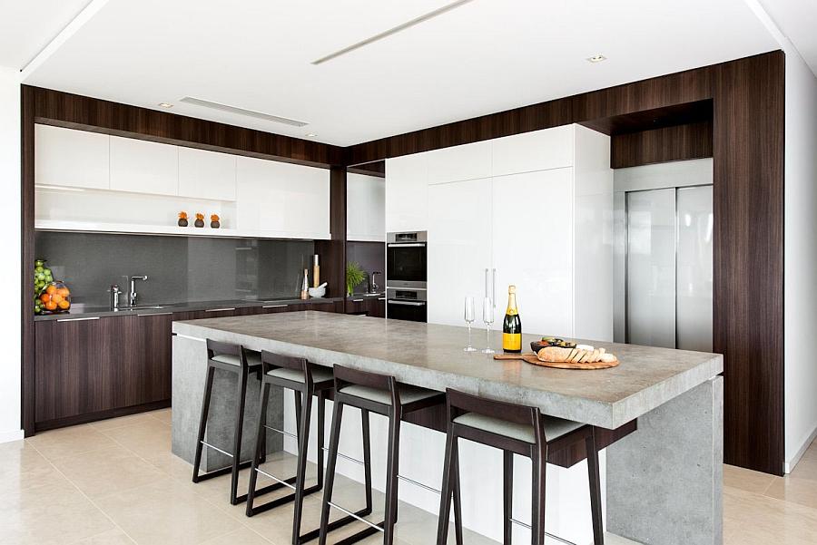 Elegant kitchen backsplash in gray
