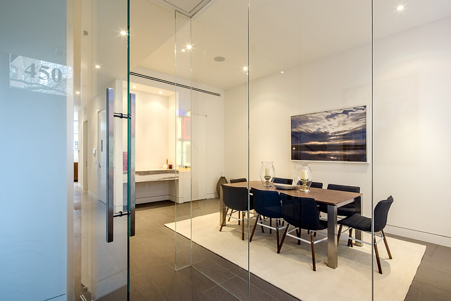Frameless glass walls and door for the large dining room