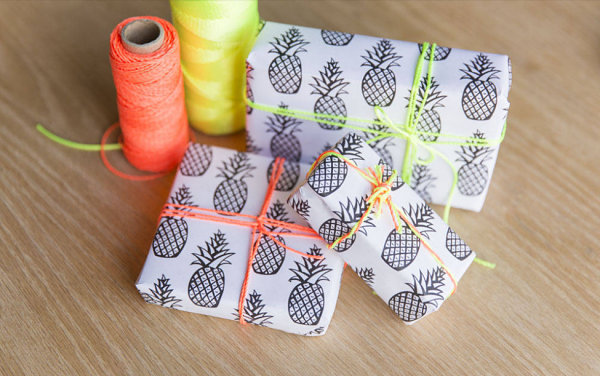 Free printable pineapple wrapping paper